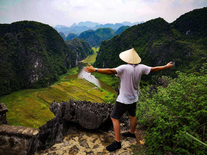 Travel couple in Vietnam